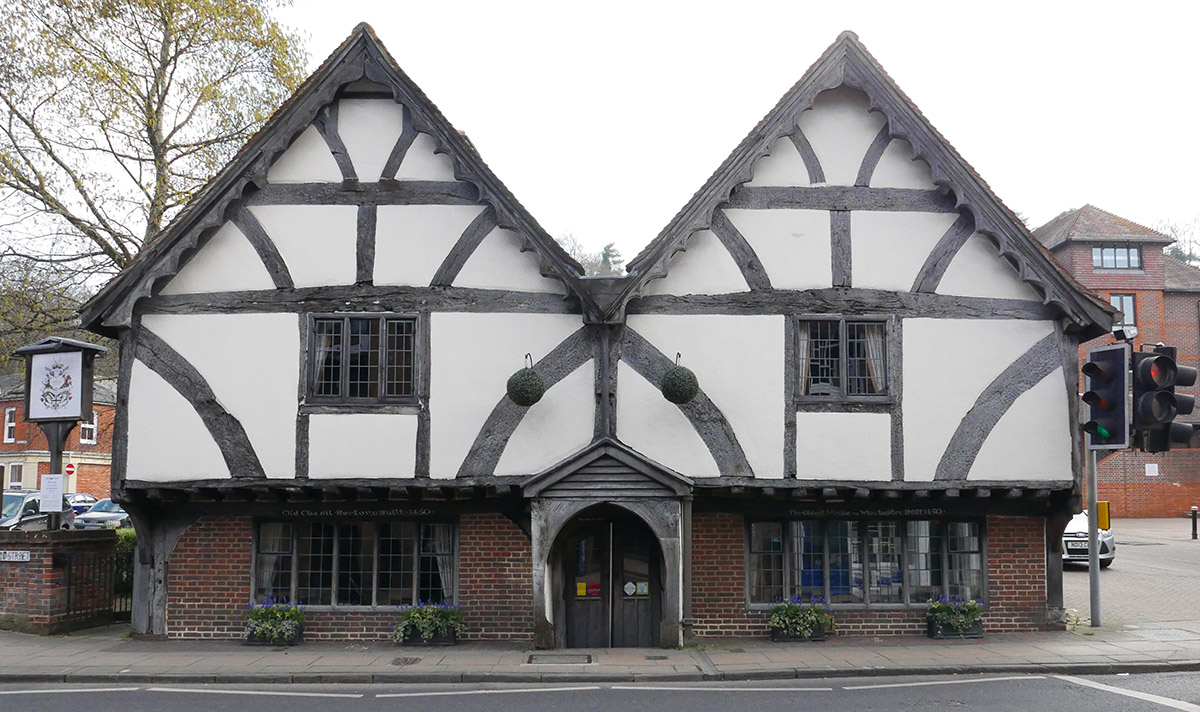 mediaeval asymmetry - the 600 year-old Chesil Rectory (now a restaurant)